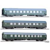 Tillig 01003 Reisezugwagenset Salonwagenzug 4 der DR, bestehend aus Salonspeisewagen mit Küche, Salonschlafwagen mit Tagesraum und Nachrichtenwagen, Ep. IV