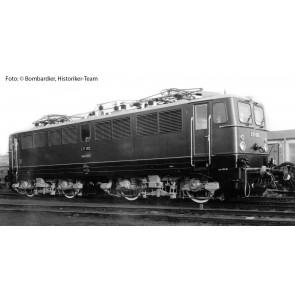 Arnold HN2305 Elektrische Lokomotive, Baureihe E 11 (Vorserie) der DR, Betriebsnummer E 11 002, Ausführung grün/rot