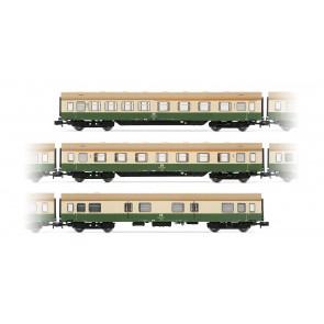 Arnold HN4243 3-teiliges Set Modernisierungswagen der DR mit Seitenschürzen, in grün/beiger Lackierung