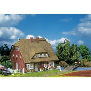 Faller 130250 Wohnhaus mit Reetdach