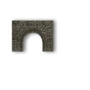 Noch 58300 Bruchsteinmauer Unterführung