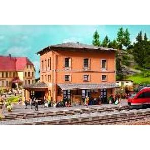 Noch 64004 Bahnhof Tannau (Berg)