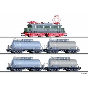 Tillig 01444 Güterzugset der DR, bestehend aus Elektrolokomotive E 44 und vier Kesselwagen, Ep. III